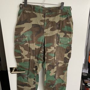 Urban outfitters camo cropped pants